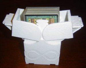 Caja-para-mazos-de-cartas-coleccionables